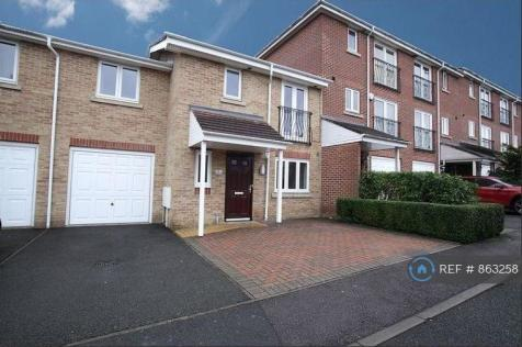 Poppy Close, Luton, LU3. 4 bedroom terraced house