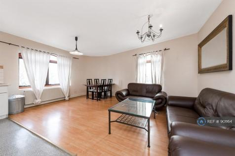 Raven House, London, E1. 2 bedroom flat