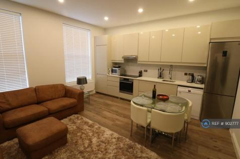 South Ealing Road, London, W5. 4 bedroom flat share