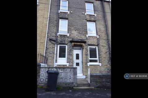 Upper Fountain Street, Sowerby Bridge, HX6. 3 bedroom terraced house