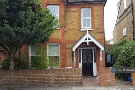 Hartington Road, St Margarets, TW1. 1 bedroom maisonette