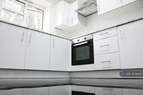 John Pritchard House, London, E1. 2 bedroom flat