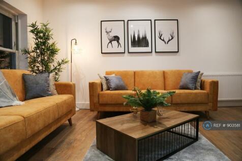 Trafalgar Road, Greenwich, SE10. 2 bedroom flat