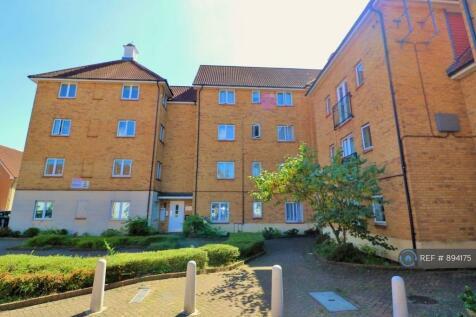 Royal Crescent, Newbury Park, IG2. 2 bedroom flat