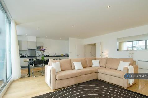 Dereham Place, London, EC2A. 3 bedroom penthouse
