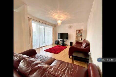 Cowdrey Mews, London, SE6. 2 bedroom flat