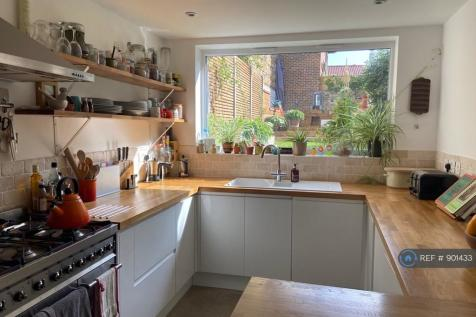 Peckham, London, SE15. 2 bedroom flat