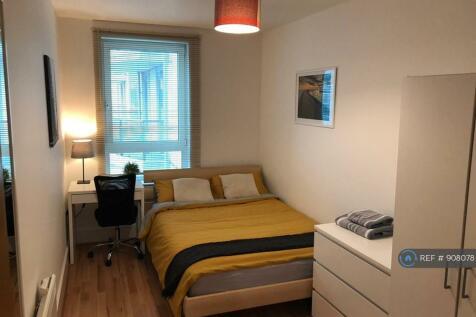 Drake House, London, SW8. 2 bedroom flat share