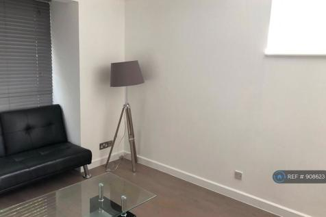 Mitchell House 2A, London, W4. 1 bedroom flat
