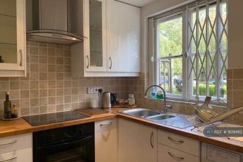 Brompton Park Crescent, London, SW6. 1 bedroom flat