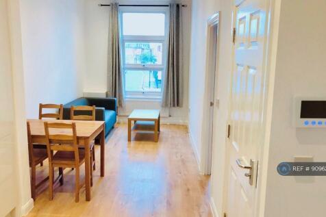 Old Kent Road, London, SE15. 2 bedroom flat