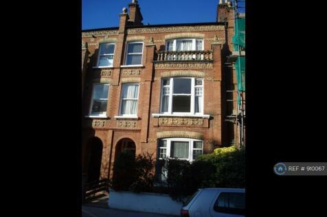 Fulham Park Gardens, London, SW6. 3 bedroom flat share
