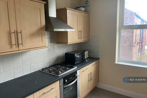 Smithdown Road, Liverpool, L15. 4 bedroom flat