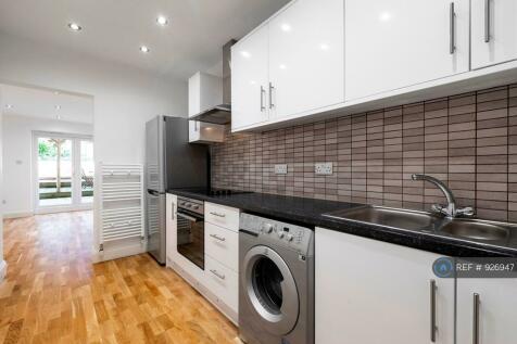Basement, London, N7. 1 bedroom flat