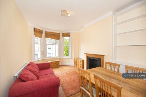 First Floor 35 Whittingstall Road, London, SW6. 2 bedroom flat
