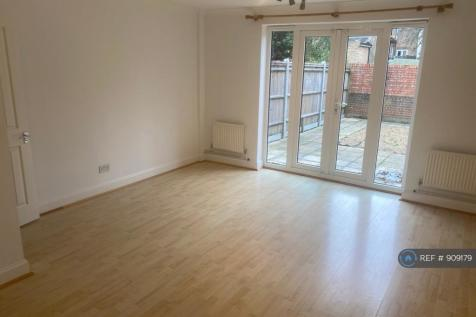 Kew Terrace, Bromley, BR2. 2 bedroom terraced house