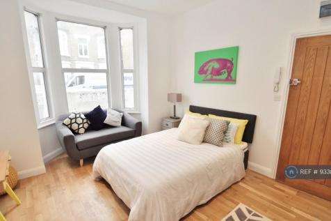 Room 1 65 Macfarlane Road, London, W12. 1 bedroom house share