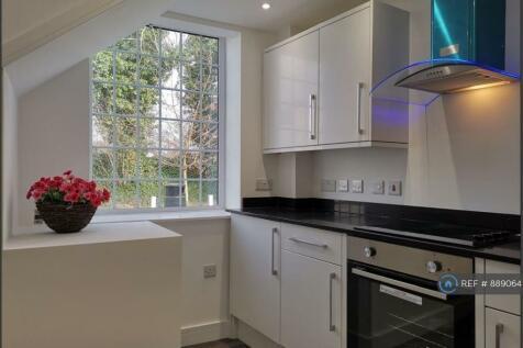 East Street, Chesham, HP5. 2 bedroom flat