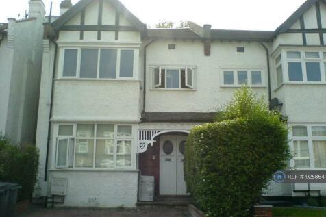 Sunningfields Road, London, NW4. 3 bedroom flat