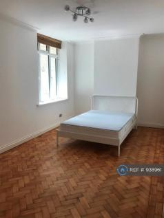 Parade Mansions, London, NW4. 2 bedroom flat