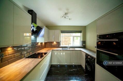 Keswick Court, Bromley, BR2. 2 bedroom flat