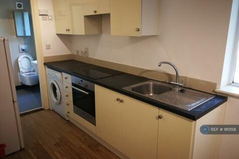 Courtlands, Maidenhead, SL6. 1 bedroom flat