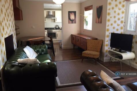 Stanstead Road, London, SE23. 3 bedroom flat