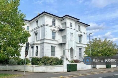 Anglesea Road, Surbiton , KT1. 2 bedroom flat
