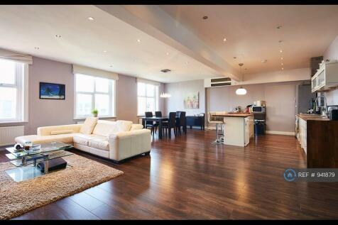Brent Street, London, NW4. 2 bedroom flat