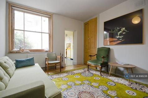 Shacklewell Lane, London, E8. 2 bedroom flat