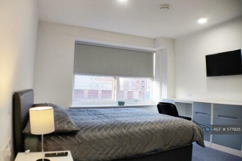 Kempston Court, Liverpool L3 8He, L3. 1 bedroom flat share