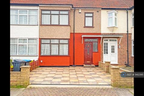 St Andrews Road, London, N9. 3 bedroom terraced house
