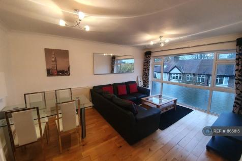 Holly Court, London, SW19. 2 bedroom flat