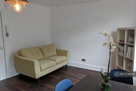 Kingsland Road, London, E2. 2 bedroom flat