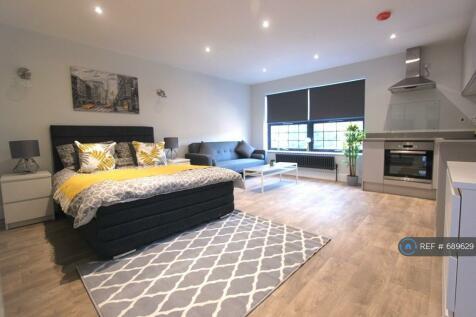 Alma Street, Luton, LU1. Studio flat