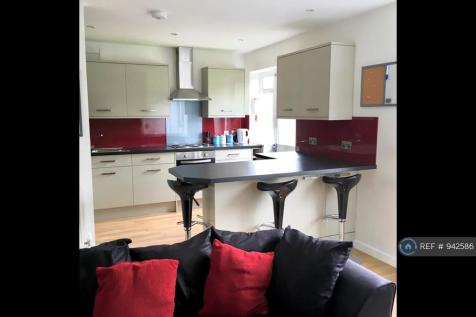 Taverner Place, Chichester, PO19. 5 bedroom terraced house