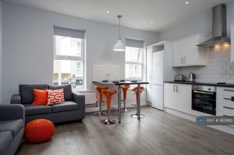 Hills Road, Cambridge, CB2. 4 bedroom flat