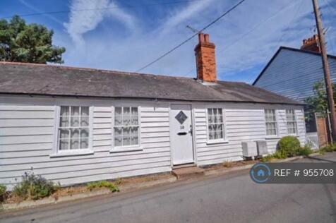 Chapel Road, Burnham On Crouch, CM0. 2 bedroom terraced house