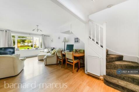 Tayles Hill, Ewell, KT17. 2 bedroom flat