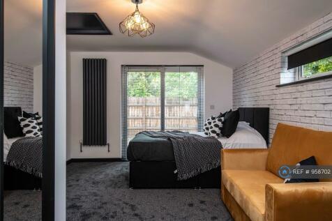 Histon Road, Cambridge, CB4. 5 bedroom terraced house