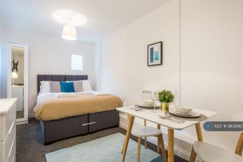 West Road, Westcliff-On-Sea, SS0. 1 bedroom flat