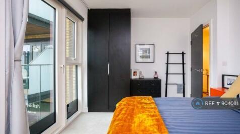 Kew Bridge Road, Brentford, TW8. 1 bedroom flat