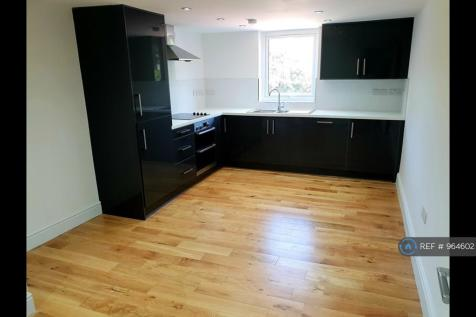 Wood Vale, London, SE23. 3 bedroom flat