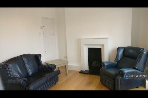 Mortimer House, London, W14. 3 bedroom flat