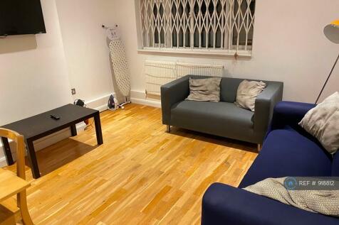 Lear House, London, SW4. 4 bedroom flat