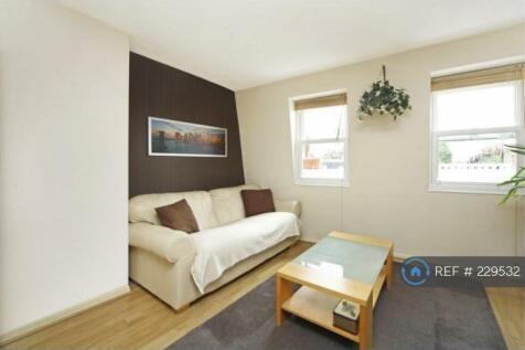 Sinclair Road, London, W14. 1 bedroom flat