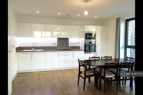 Bramwell Way, London, E16. 2 bedroom flat