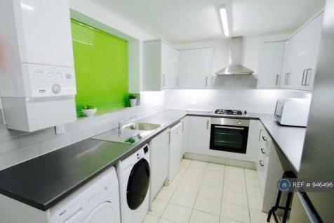 Clarendon Road, Middlesbrough, TS1. 4 bedroom terraced house
