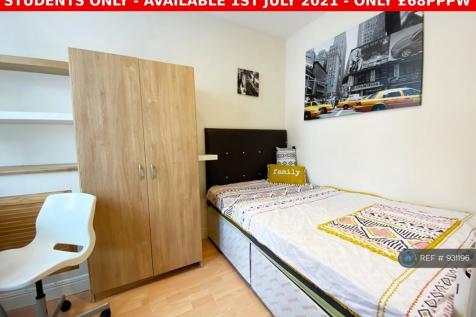 Skipworth Street, Leicester, LE2. 3 bedroom terraced house