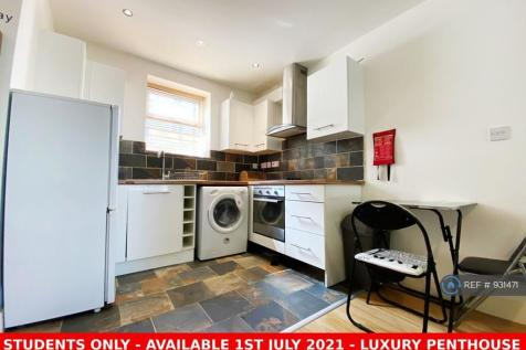 New Walk, Leicester, LE1. 2 bedroom flat